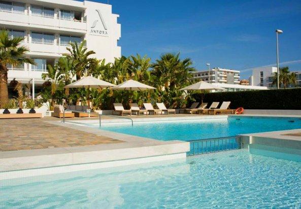 Hotel Anfora Ibiza - logies en ontbijt